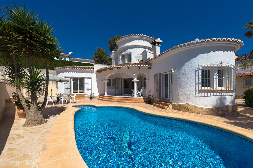 Sebastian 4, Villa in Moraira, on the Costa Blanca, Spain with private pool for 4 persons. The villa is situated in a wooded and residential.....