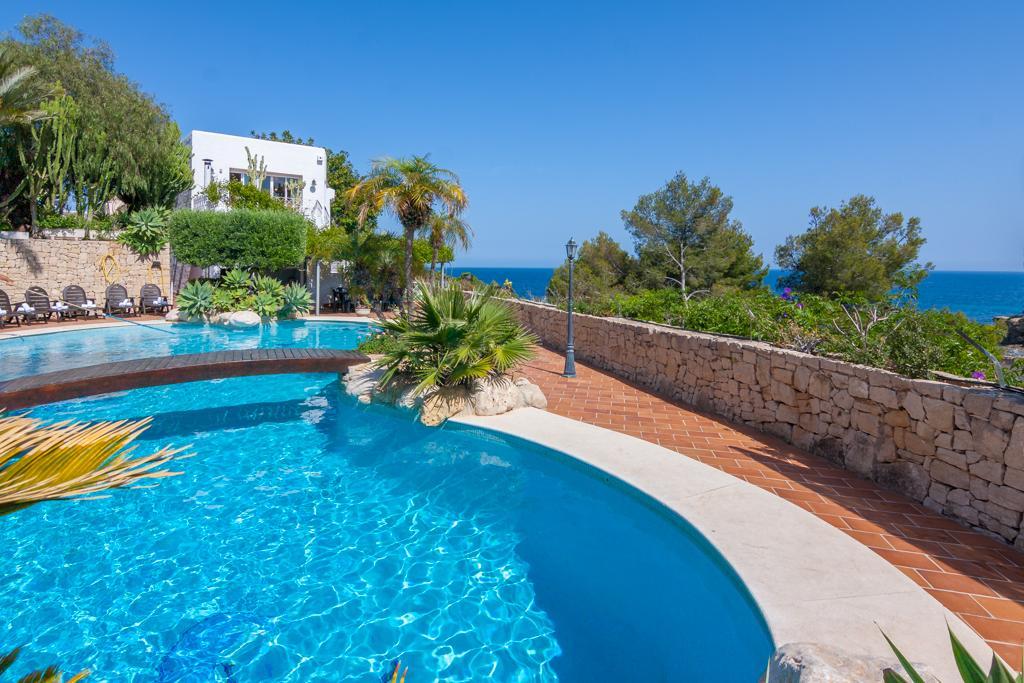 Cielito Lindo 10,Villa grande y confortable con piscina privada en Benissa para 10 personas, para pasar unas vacaciones agradables en la.....