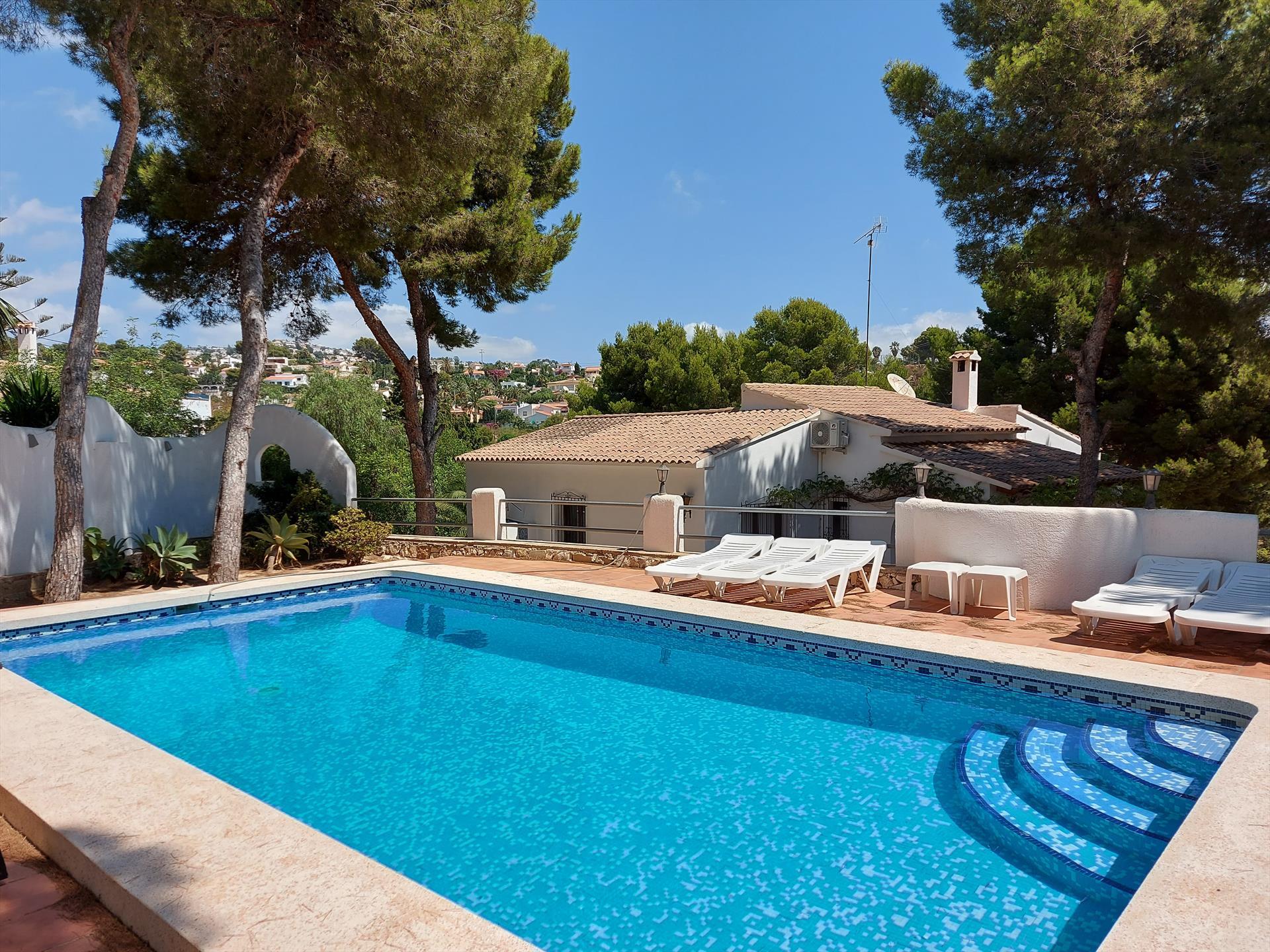 Villa 2018,Villa  met privé zwembad in Moraira, aan de Costa Blanca, Spanje voor 12 personen.....
