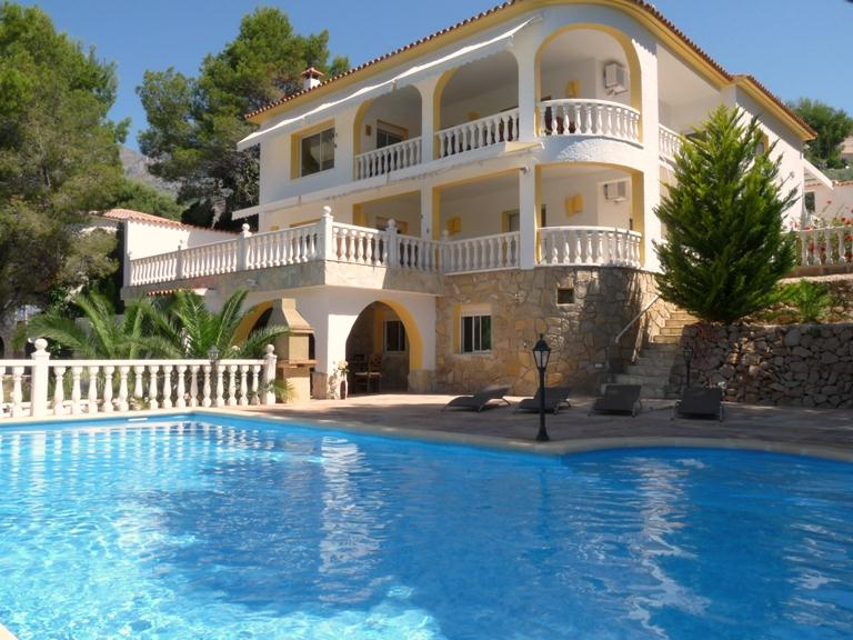 El Dorado 10, Large and comfortable villa  with private pool in Altea, on the Costa Blanca, Spain for 10 persons.....
