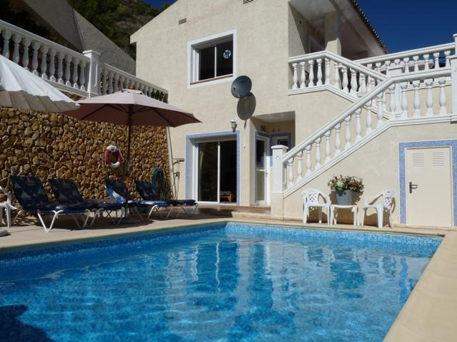 Almedia en callosa,Lovely and cheerful villa  with private pool in Altea, on the Costa Blanca, Spain for 6 persons...