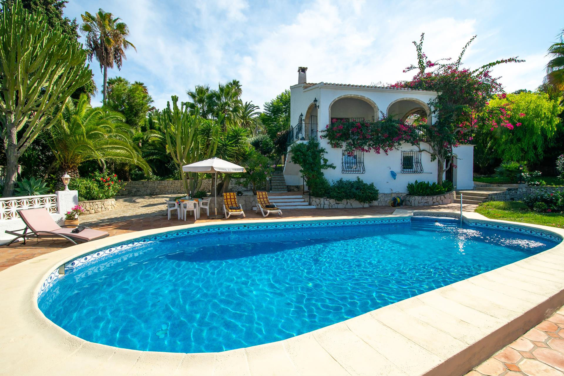 La Perla, Beautiful and comfortable villa  with private pool in Javea, on the Costa Blanca, Spain for 6 persons.....
