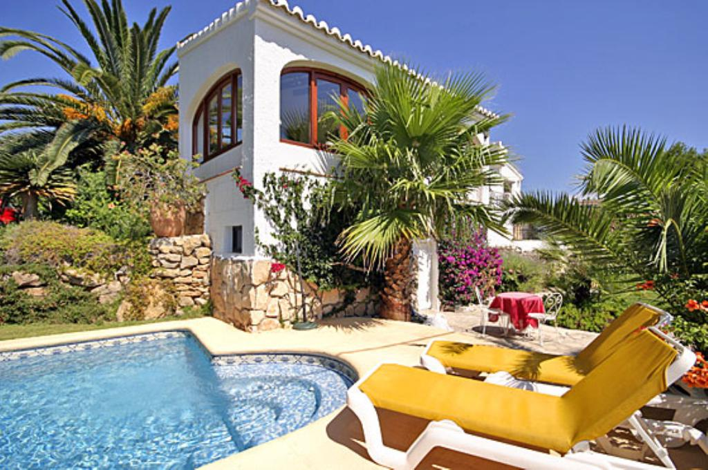Villa Maria, Classic and nice villa  with private pool in Javea, on the Costa Blanca, Spain for 6 persons...
