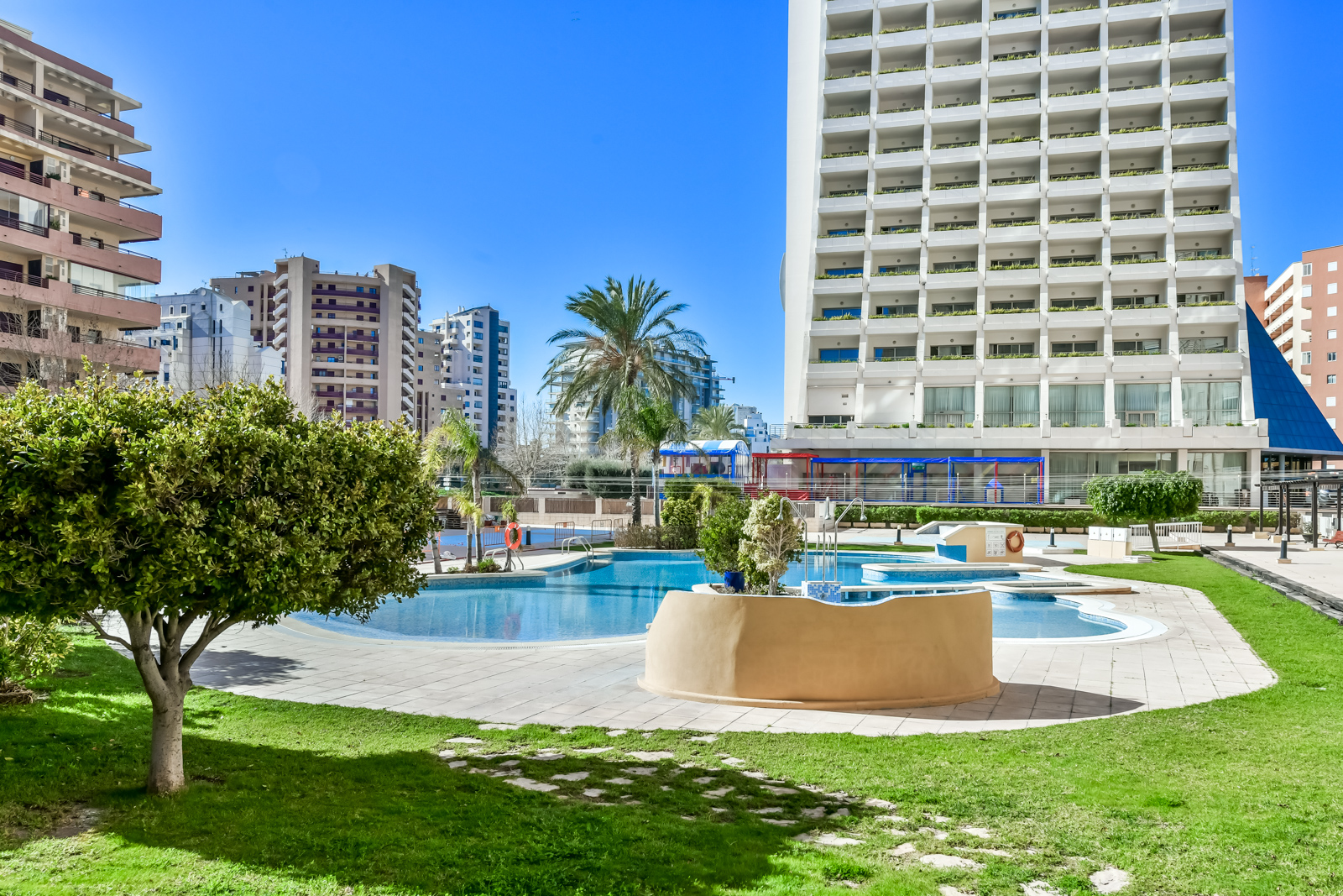 Apartamento Apolo XVI 2 4 19, Apartment  with communal pool in Calpe, on the Costa Blanca, Spain for 4 persons.....