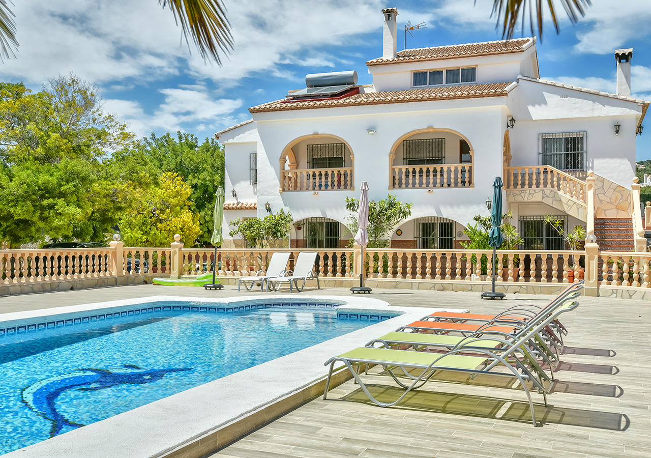 Villa Sindi, Beautiful and comfortable villa  with private pool in Calpe, on the Costa Blanca, Spain for 10 persons...