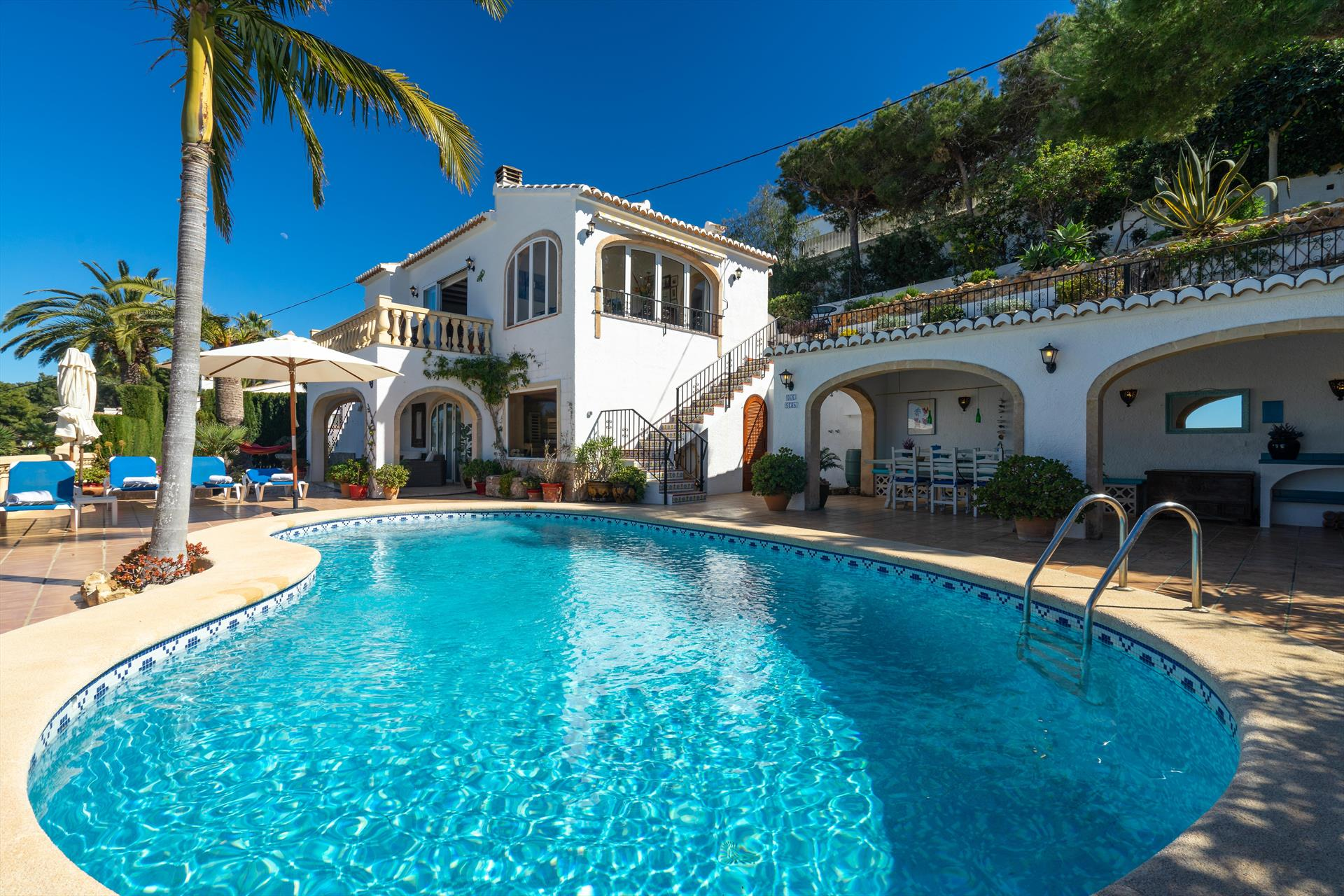 Casa Que Sera, Classic and nice luxury villa  with private pool in Javea, on the Costa Blanca, Spain for 4 persons...