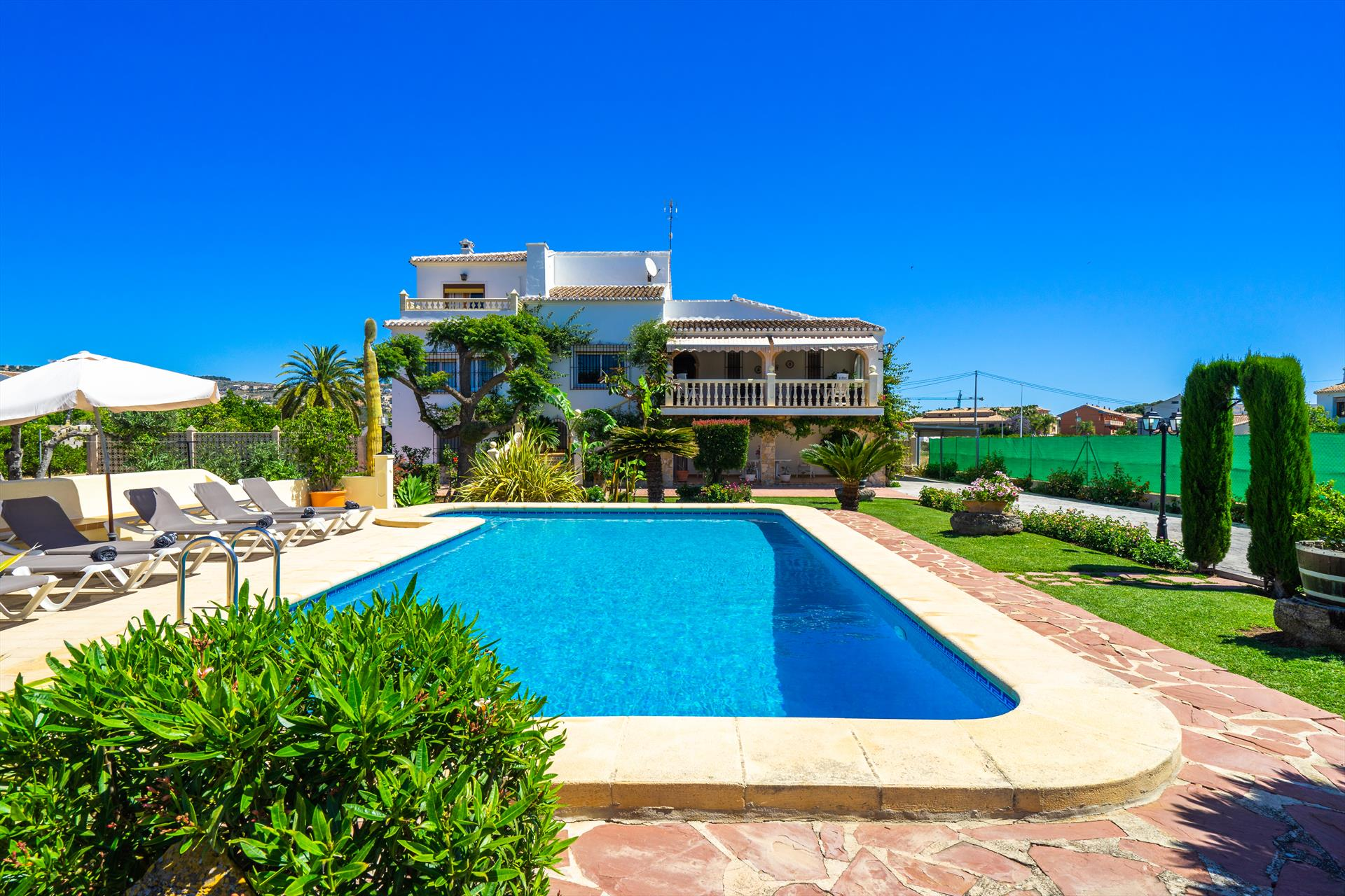 Las Palmeras, Beautiful and classic villa in Javea, on the Costa Blanca, Spain  with private pool for 8 persons.....