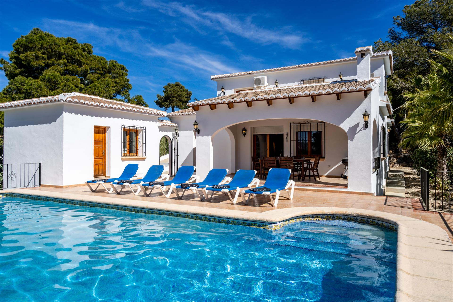 Carpe Diem, Classic and cheerful villa in Javea, on the Costa Blanca, Spain  with private pool for 6 persons.....