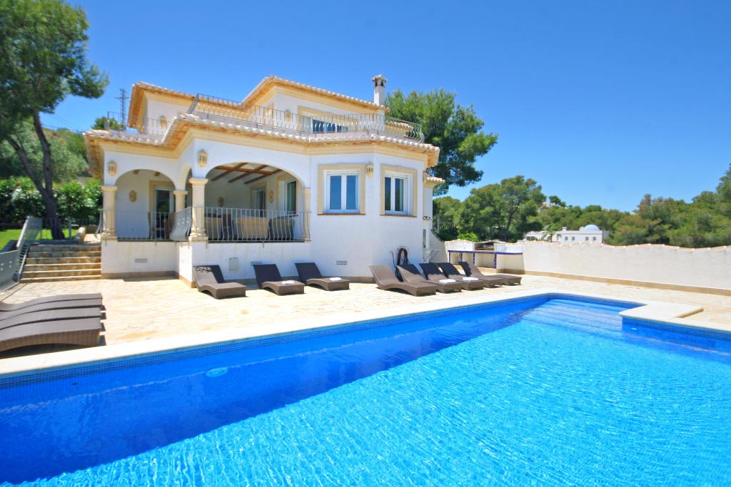 Anngo dos, Beautiful and nice villa  with private pool in Javea, on the Costa Blanca, Spain for 12 persons...