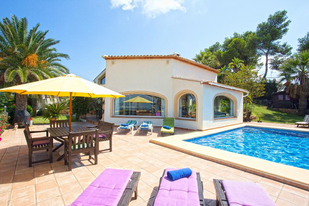 Brujas, Lovely and comfortable villa  with private pool in Javea, on the Costa Blanca, Spain for 8 persons.....