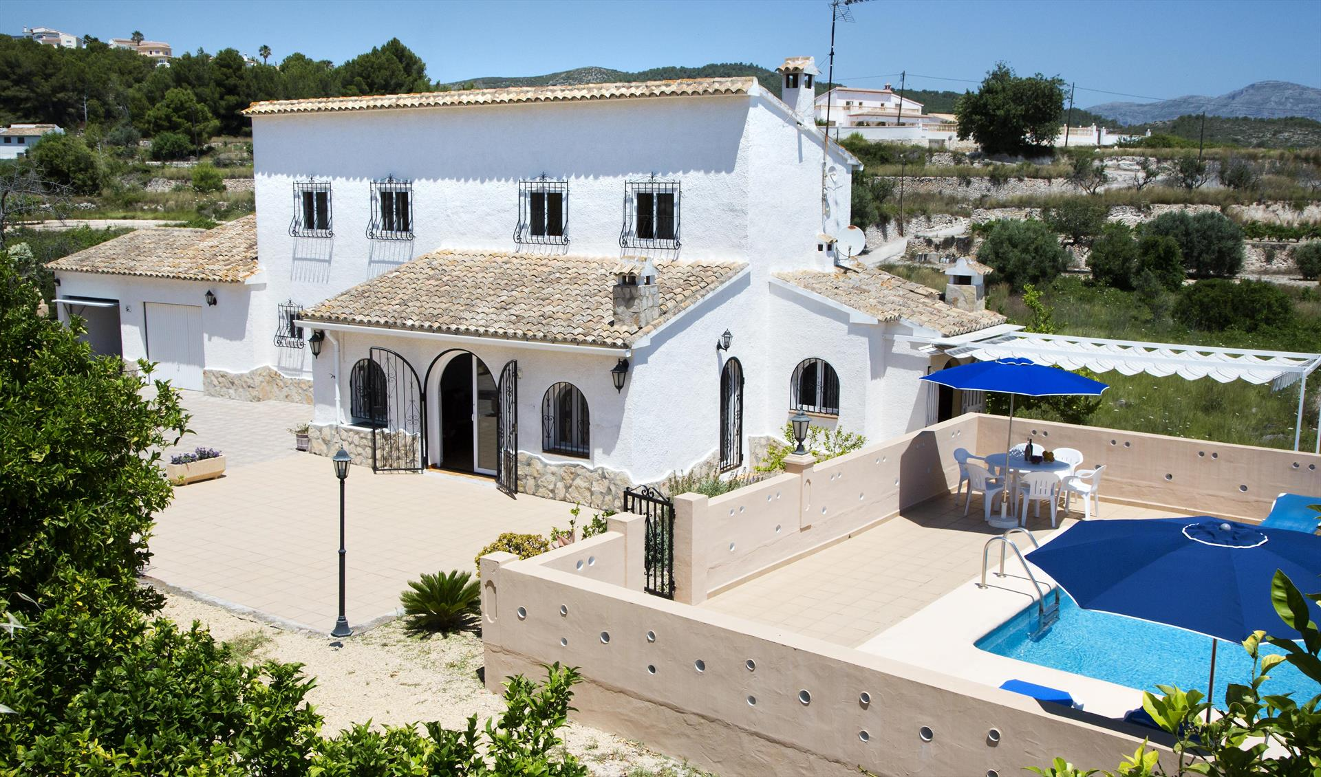 Abiareta, Rustic and cheerful holiday home in Javea, on the Costa Blanca, Spain  with private pool for 6 persons...