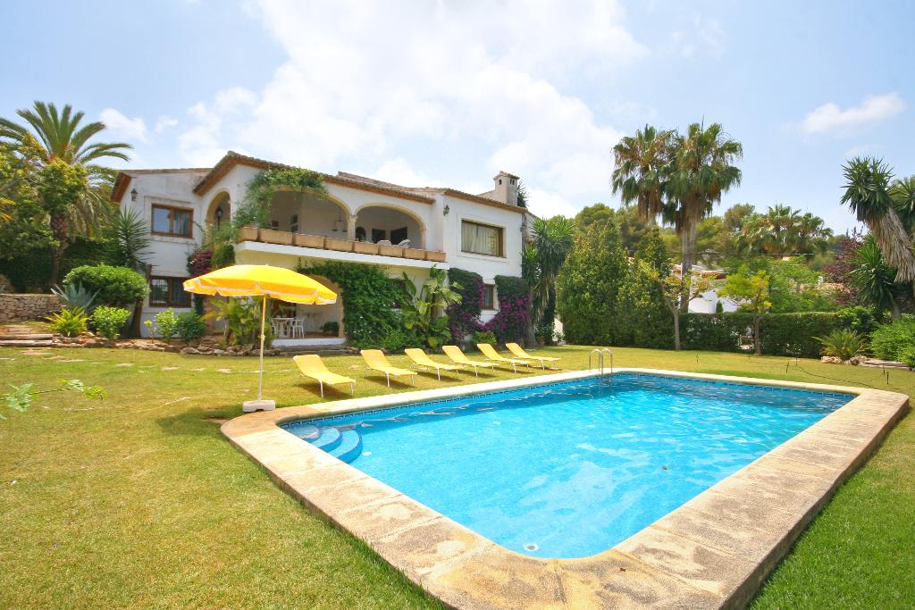 Vista Bahia, Rustic and classic villa  with private pool in Javea, on the Costa Blanca, Spain for 9 persons.....