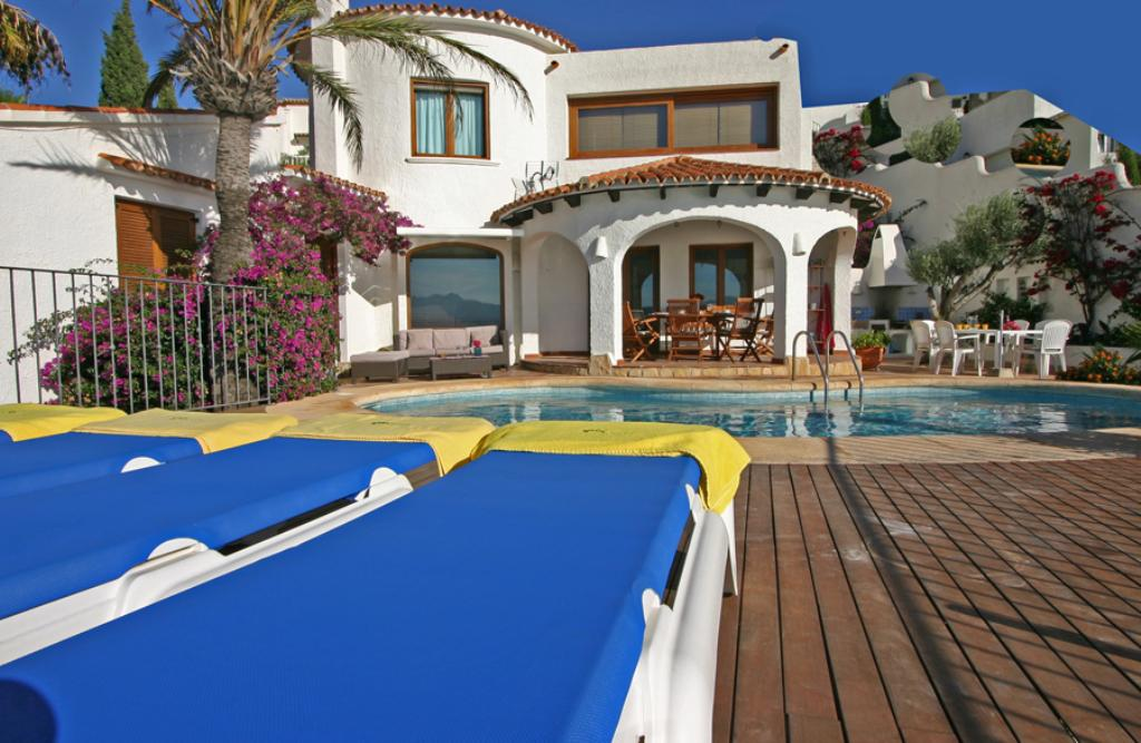 Villa Miralmar, Rustic and cheerful villa in Moraira, on the Costa Blanca, Spain  with private pool for 6 persons.....