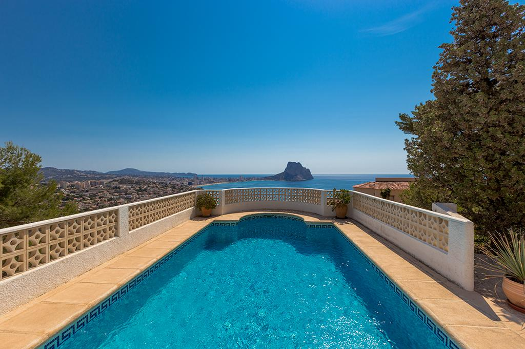 Elfi 4, Villa in Calpe, on the Costa Blanca, Spain  with private pool for 4 persons.....