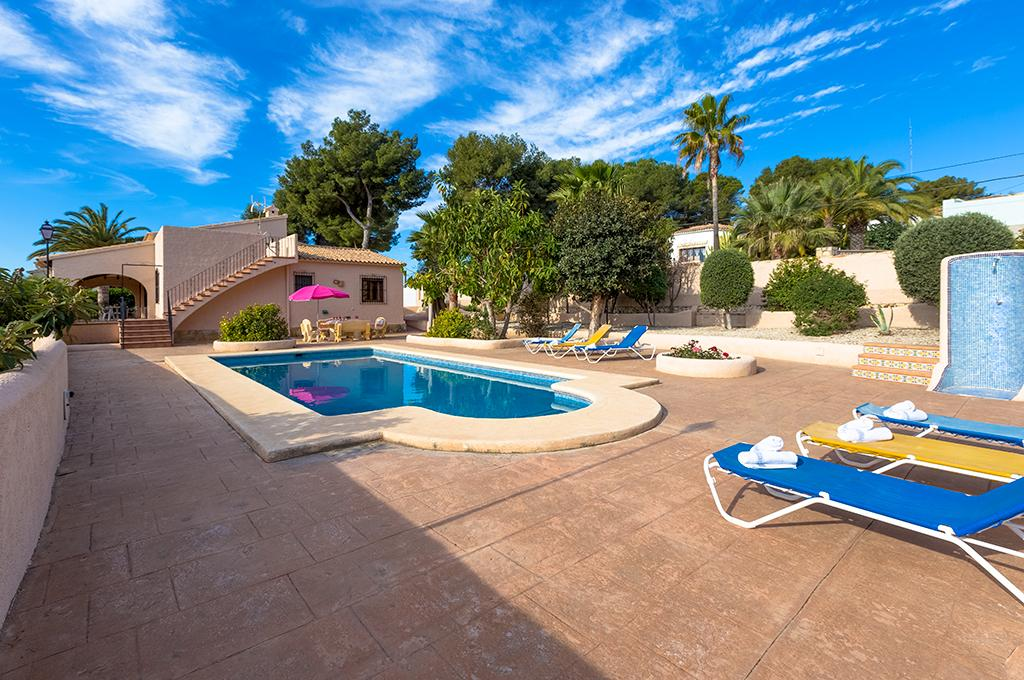 Fina 8, Villa with private pool in Teulada, on the Costa Blanca, Spain for 8 persons. The villa is situated in a hilly, wooded and.....