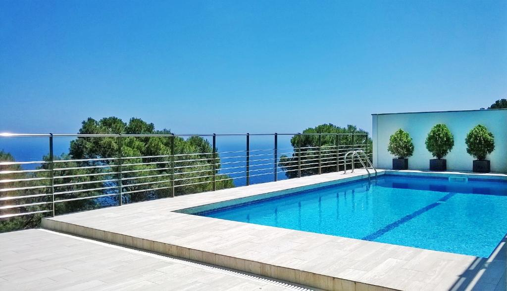 LA BORNA Begur Costa Brava casa con piscina privada y gran vista al mar  dispone de varias terrazas y wifi gratis, Beautiful and comfortable house  with private pool in Begur, on the Costa Brava, Spain for 8 persons.....
