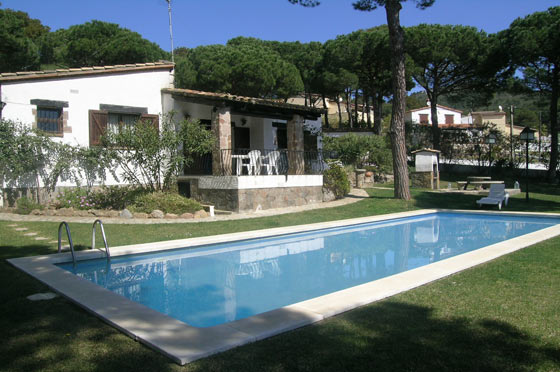 CHIFRANCA Begur Costa Brava casa con piscina privada y gran jardin ideal para familias, Rustic and comfortable villa  with private pool in Begur, on the Costa Brava, Spain for 8 persons.....