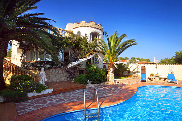 Casa Resa, Beautiful and cheerful villa  with private pool in Javea, on the Costa Blanca, Spain for 6 persons.....
