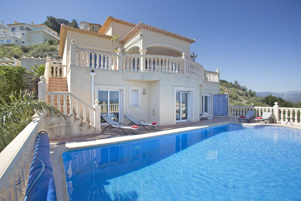 Montecarlo, Beautiful and comfortable villa  with private pool in Denia, on the Costa Blanca, Spain for 8 persons...