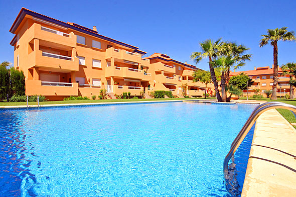 Bolonia 8, Beautiful and nice apartment  with communal pool in Javea, on the Costa Blanca, Spain for 8 persons.....