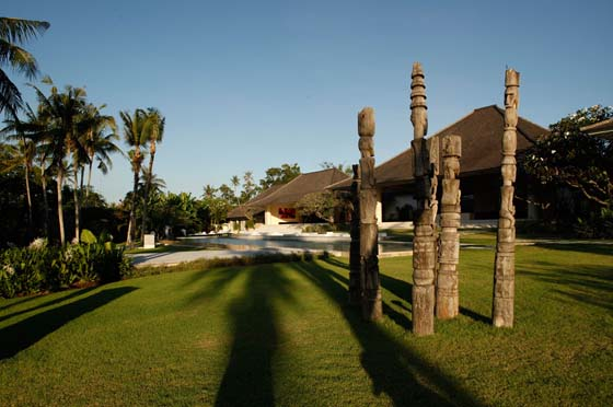 Infinity, Large and luxury villa in Canggu, Bali, Indonesia  with private pool for 16 persons...