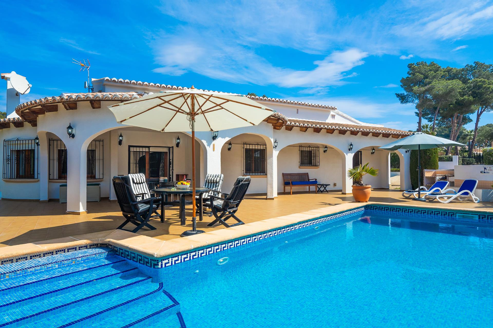 Oleander, Wonderful and comfortable villa  with private pool in Javea, on the Costa Blanca, Spain for 6 persons...