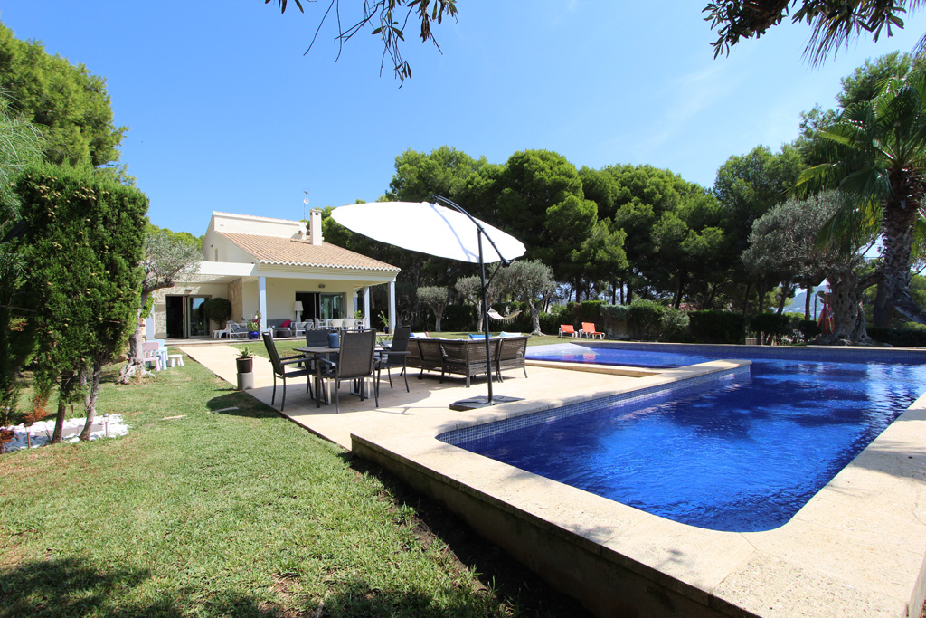A8 Casa Carol, Modern and comfortable villa  with private pool in Moraira, on the Costa Blanca, Spain for 8 persons.....