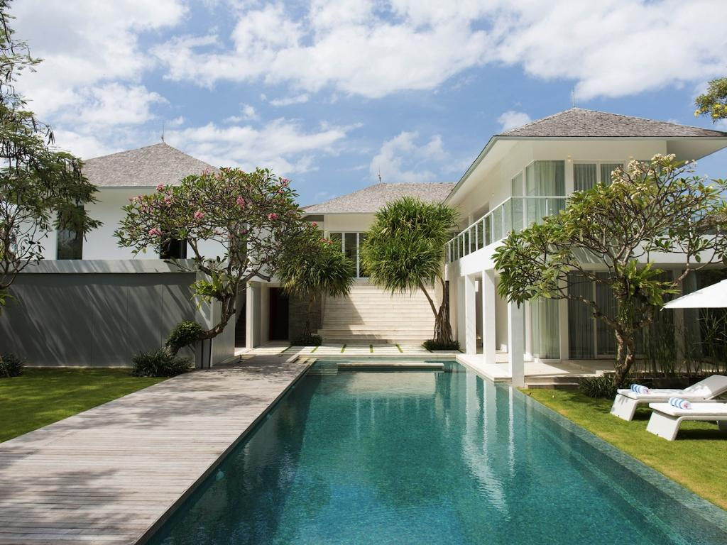 Canggu south, Large and luxury villa in Canggu, Bali, Indonesia  with private pool for 8 persons...