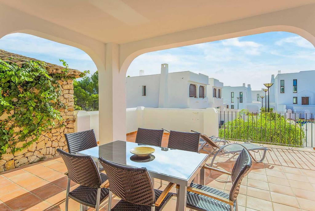Villa Mirador de Bassetes 5, Villa  with communal pool in Calpe, on the Costa Blanca, Spain for 4 persons.....