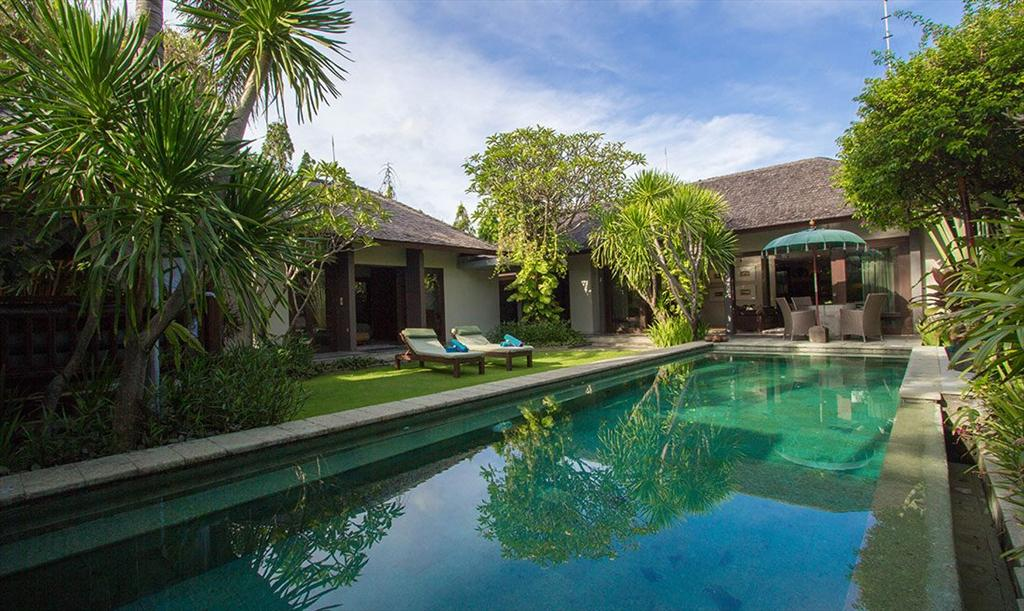 Chimera Green, Beautiful and nice villa in Seminyak, Bali, Indonesia  with private pool for 4 persons...