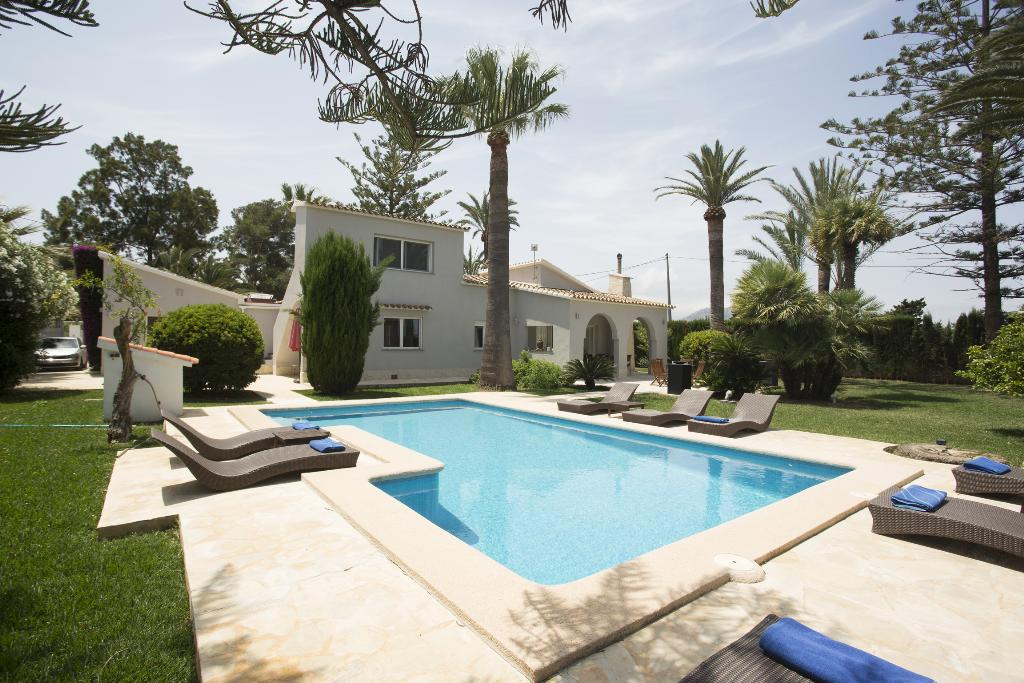 Las Marinas 4, Beautiful and comfortable villa in Denia, on the Costa Blanca, Spain  with private pool for 4 persons...
