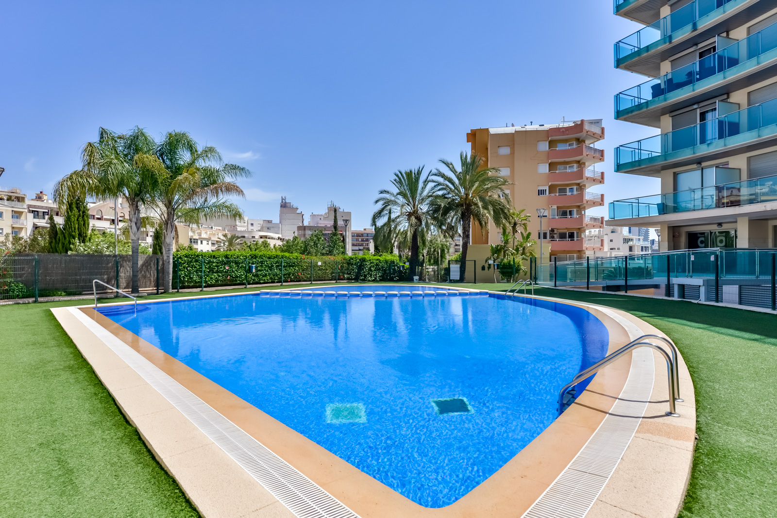 Apartamento Borumbot 26, Comfortable apartment in Calpe, on the Costa Blanca, Spain  with communal pool for 6 persons.....