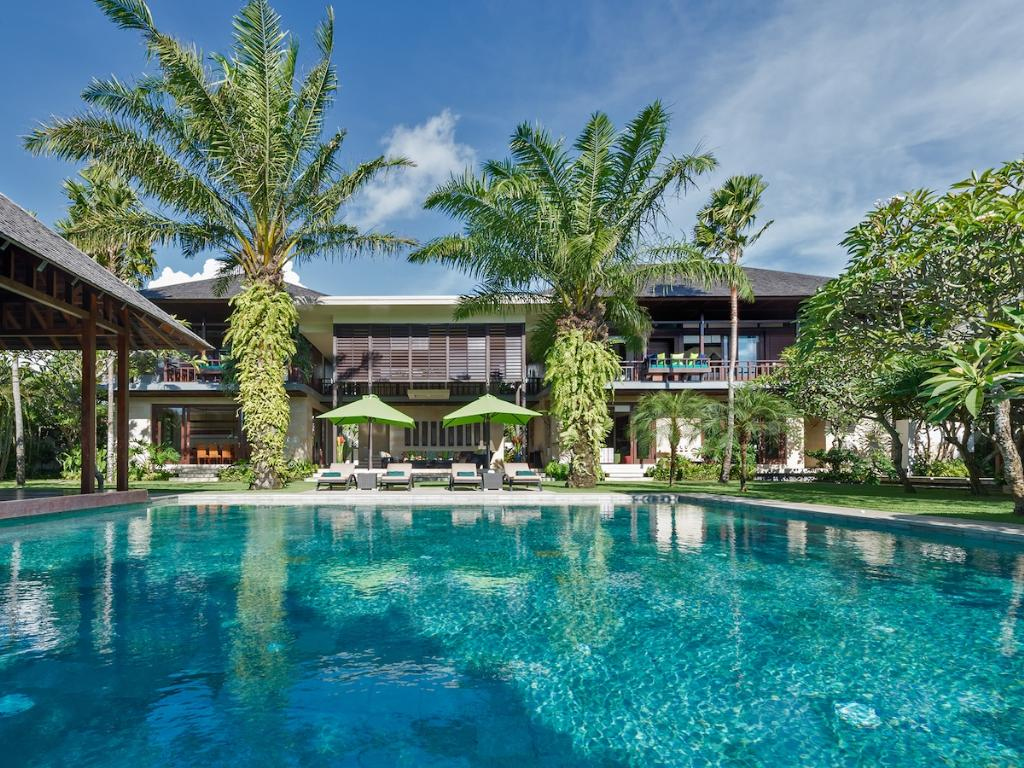Bendega nui, Large and luxury villa in Canggu, Bali, Indonesia  with private pool for 10 persons...