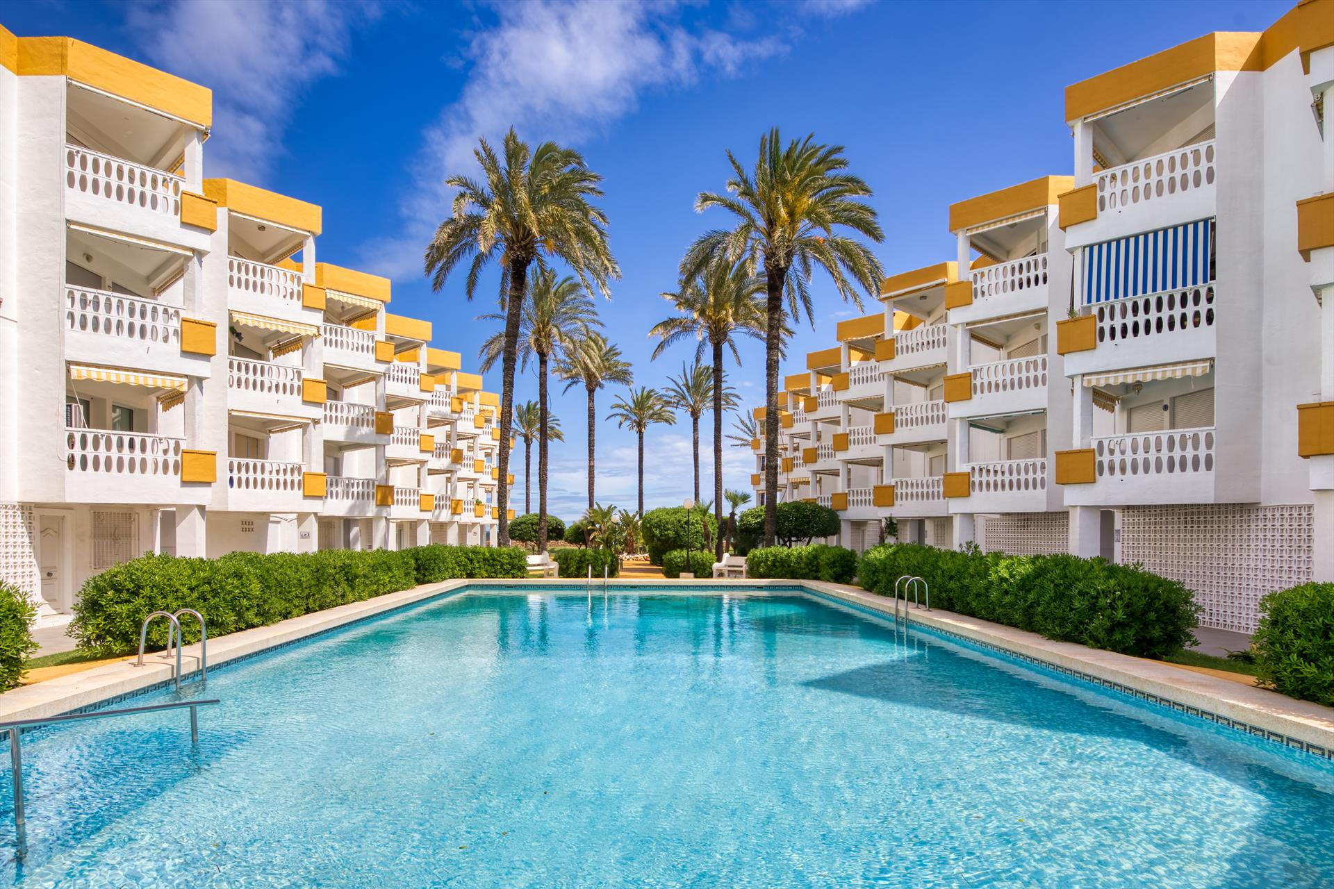 Holiday Beach, Apartment in Denia, on the Costa Blanca, Spain  with communal pool for 4 persons.....