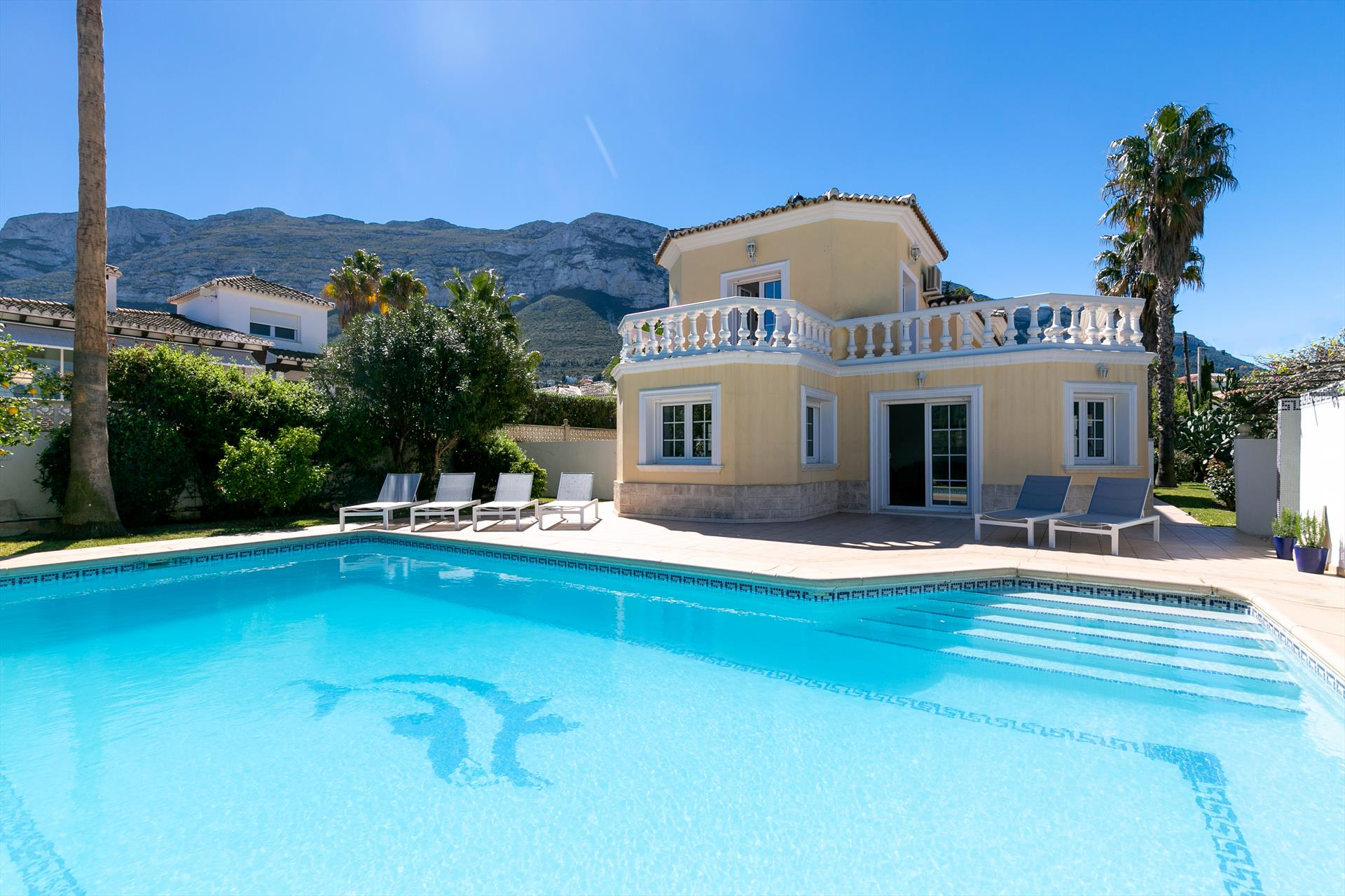 Villa Coral, Comfortable villa  with private pool in Denia, on the Costa Blanca, Spain for 8 persons...