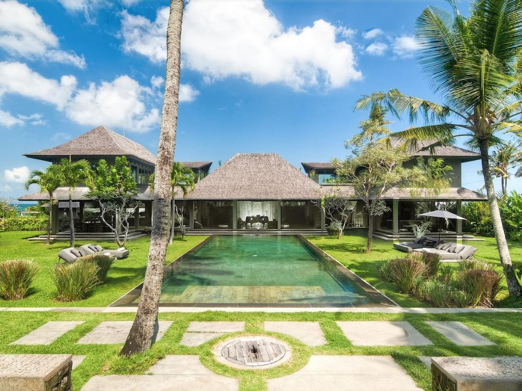 Mahatma House, Large and luxury villa  with private pool in Seseh, Bali, Indonesia for 10 persons...