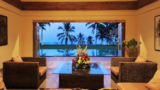 Rumah pantai, Large and luxury villa  with private pool in Tabanan, Bali, Indonesia for 8 persons...