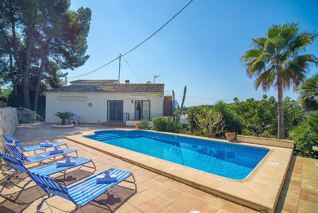 Ballena Blanca  4,Villa  con piscina privada en Benissa, en la Costa Blanca, España para 4 personas.....