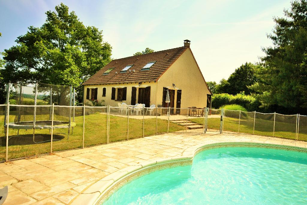 Les sables, Lovely and cheerful holiday home in Treigny, Burgundy, France  with private pool for 9 persons...