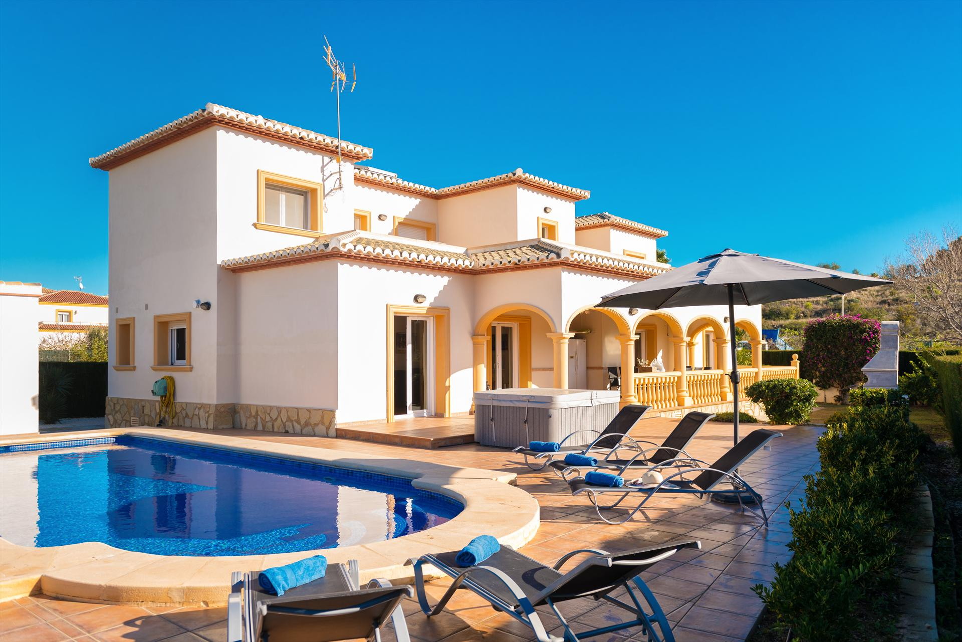 Villa Roig, Luxury villa  with private pool in Calpe, on the Costa Blanca, Spain for 10 persons.....