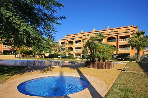 Jardines del puerto apartment in javea costa blanca spain for Jardines del puerto