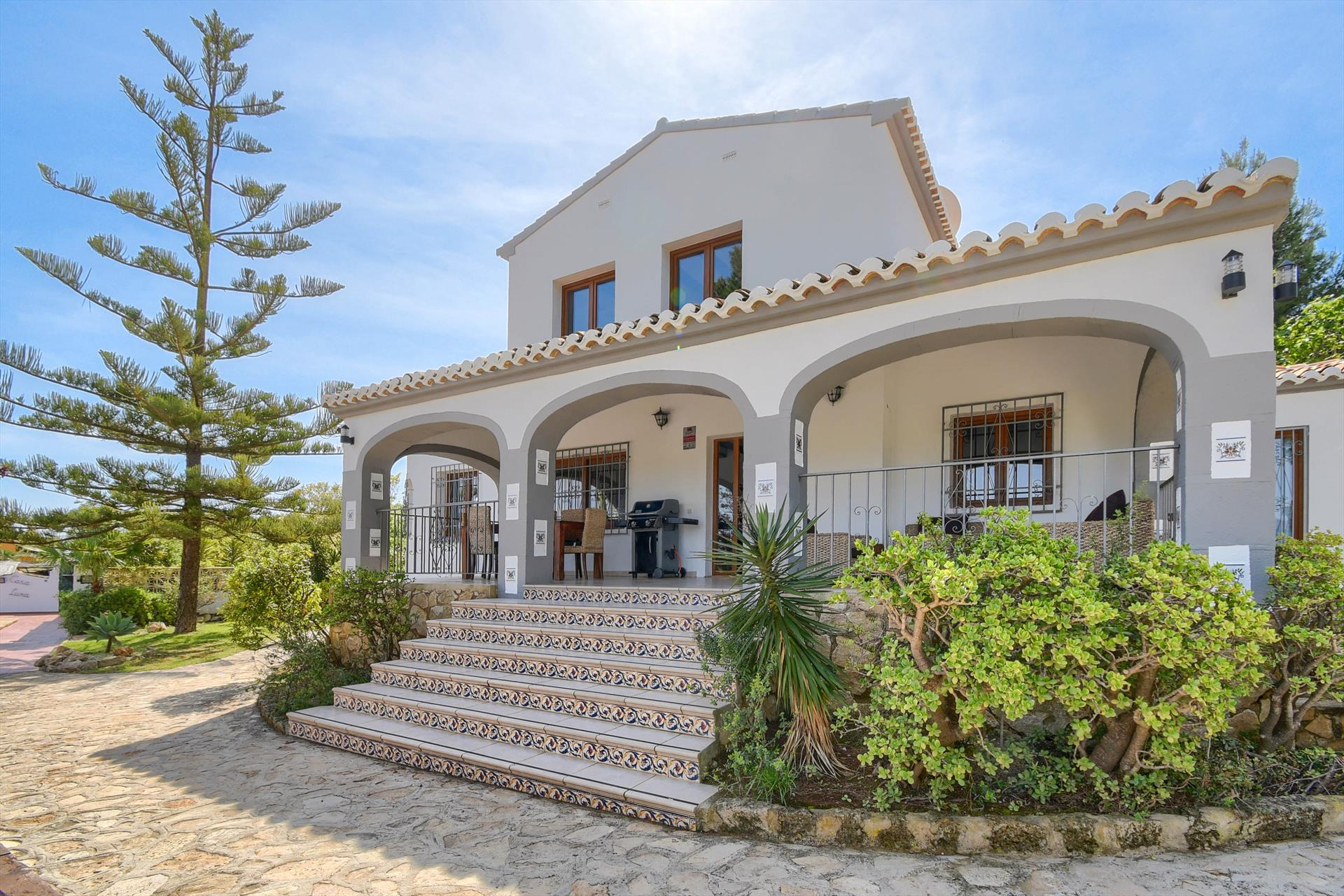 Villa Luna 6, Large and comfortable villa in Javea, on the Costa Blanca, Spain  with private pool for 6 persons...