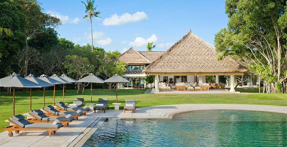 Atas Ombak, Large and  luxury villa  with private pool in Seminyak, Bali, Indonesia for 10 persons...