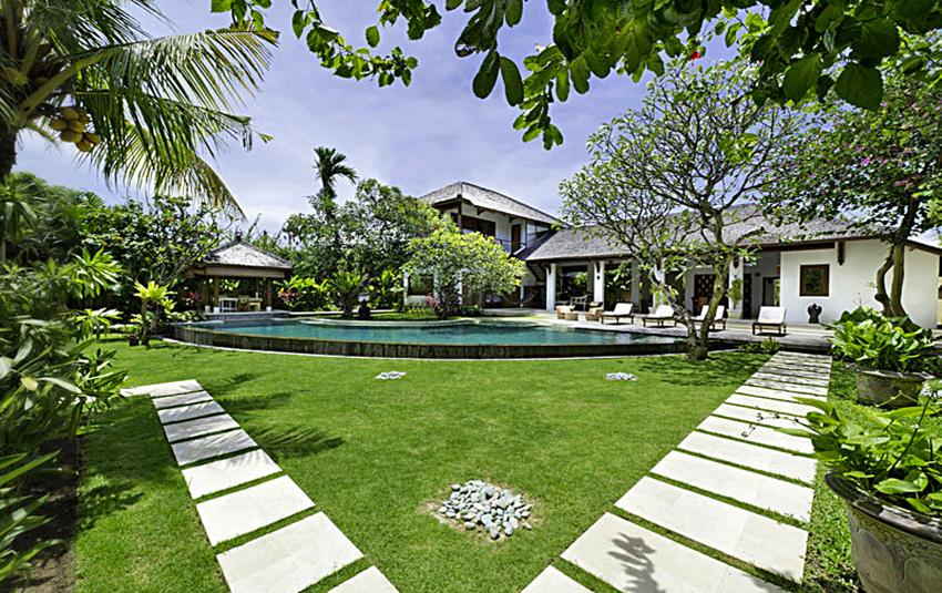 Maharaj,Beautiful and luxury villa in Seminyak, Bali, Indonesia  with private pool for 8 persons...
