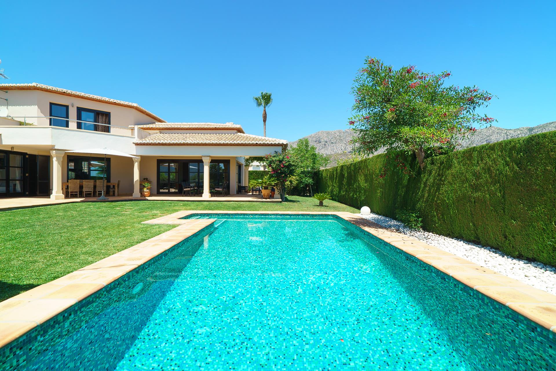 Daru dunya 4, Lovely and comfortable luxury villa in Denia, on the Costa Blanca, Spain  with private pool for 4 persons...