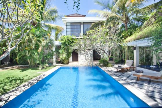 Metana, Large and comfortable villa in Seminyak, Bali, Indonesia  with private pool for 8 persons...