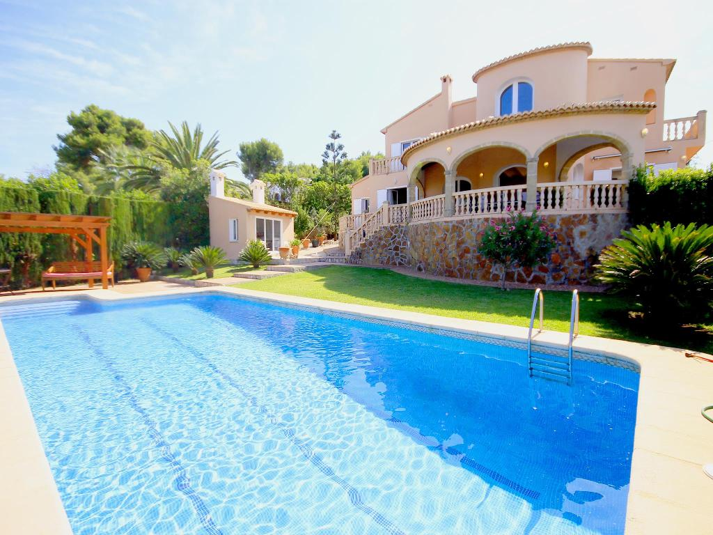 Maximo, Beautiful and comfortable villa  with private pool in Javea, on the Costa Blanca, Spain for 9 persons.  The villa is situated.....