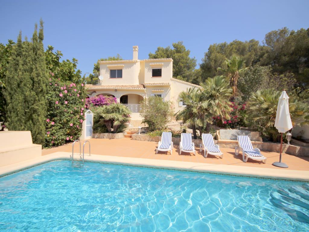Ranjana, Large and comfortable villa in Javea, on the Costa Blanca, Spain  with private pool for 11 persons.  The villa is situated.....
