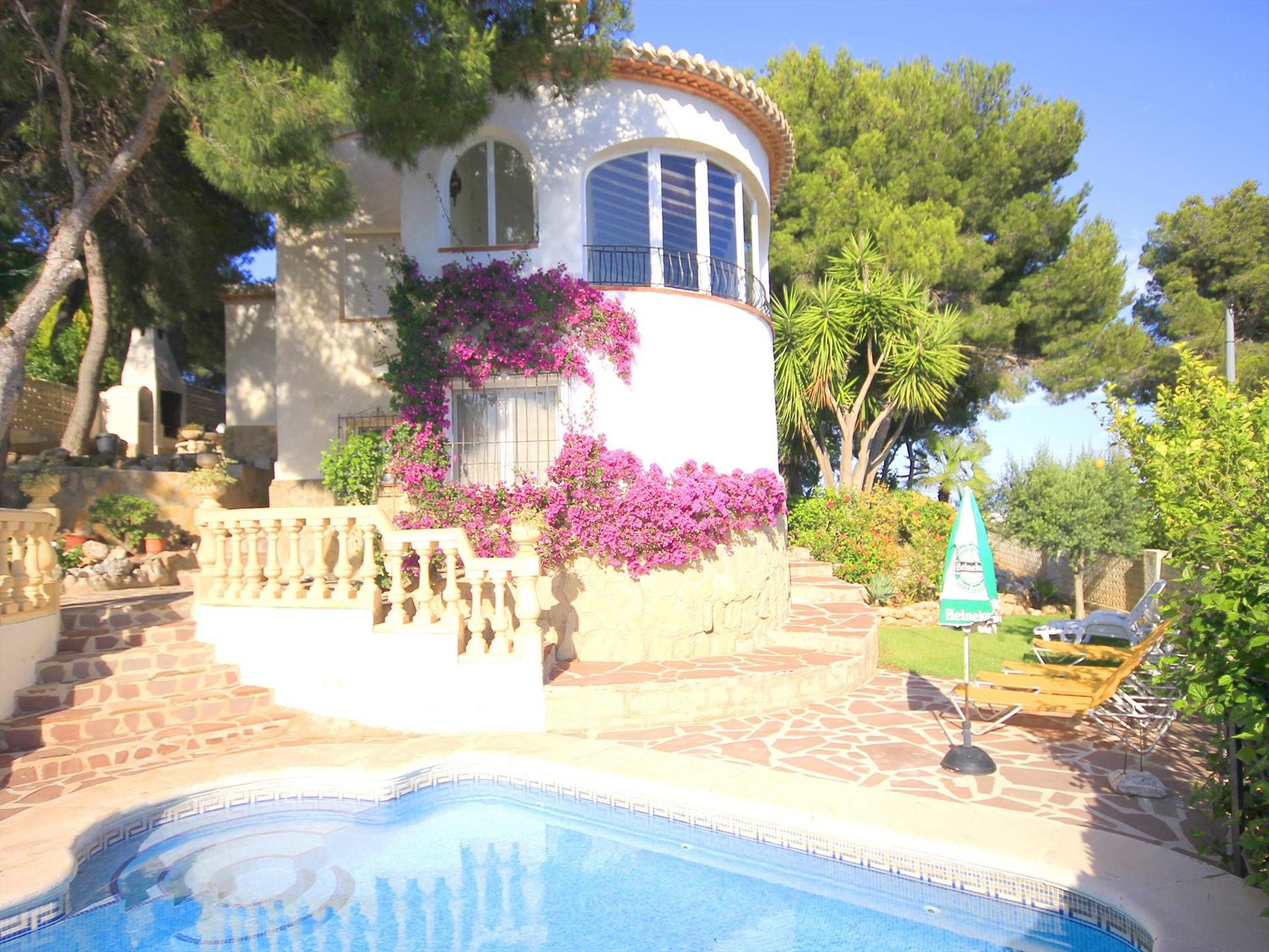 Marina 8, Wonderful and cheerful villa  with private pool in Javea, on the Costa Blanca, Spain for 8 persons.....