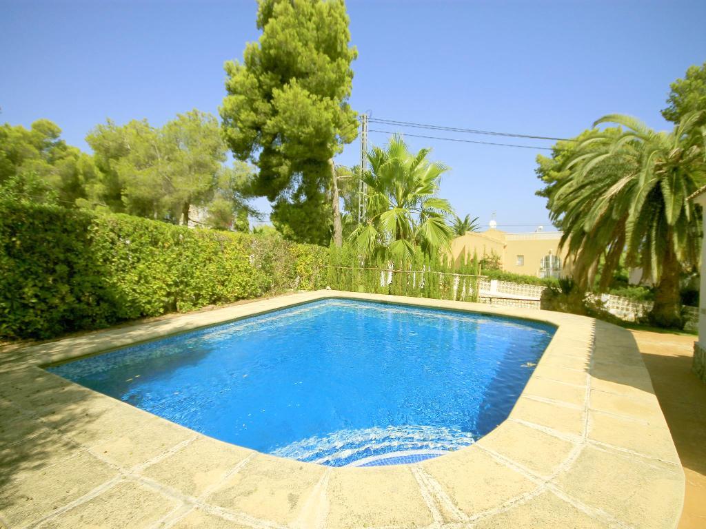 Albatros,Mooie en comfortabele villa in Javea, aan de Costa Blanca, Spanje  met privé zwembad voor 6 personen.....